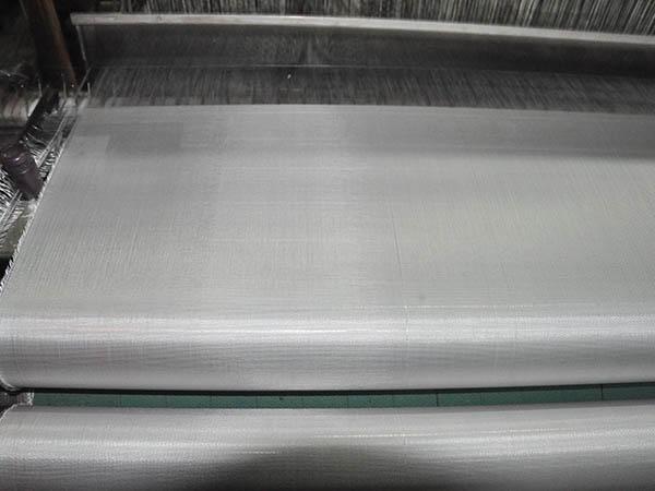 无碱、中碱代替高碱玻璃纤维布的原因